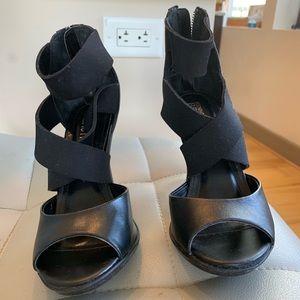 Kenneth Cole Reaction Black Heels